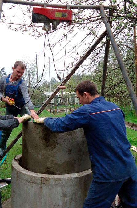 Как мы углубляем колодец в Боровском районе