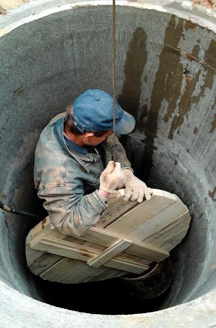 Как мы выполняем чистку колодца в Боровском районе