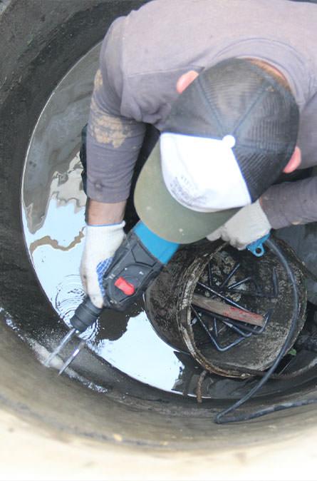 Как мы выполняем ремонт колодцев в Боровском районе